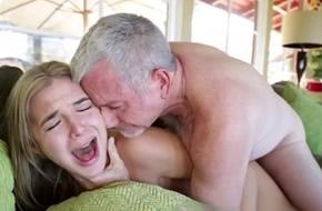 porno incesto cerdo xxx
