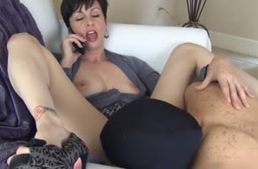 madura puta humilla a su amante
